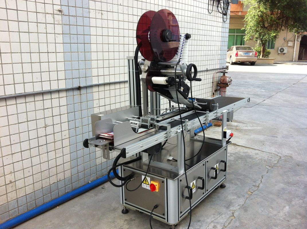 इलेक्ट्रिक ड्राइव्ह टॉप लेबलिंग मशीन, सेल्फ hesडझिव्ह स्टिकर लेबलिंग मशीन